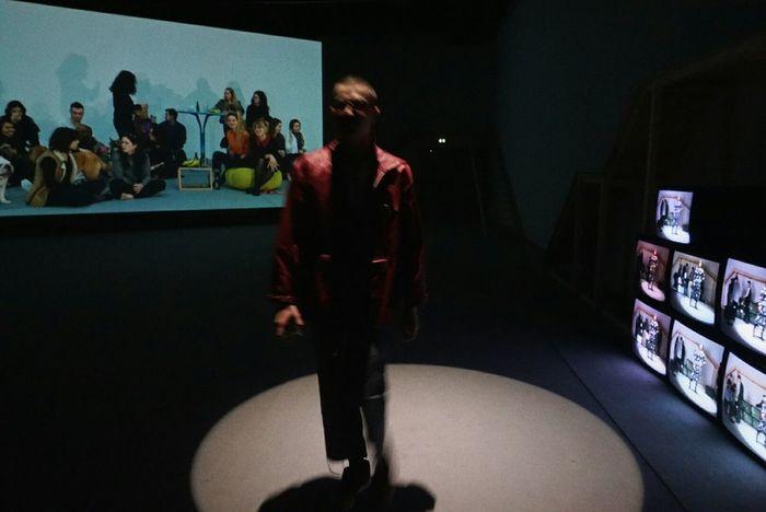 Light And Shadow Tvscreen Bordeau