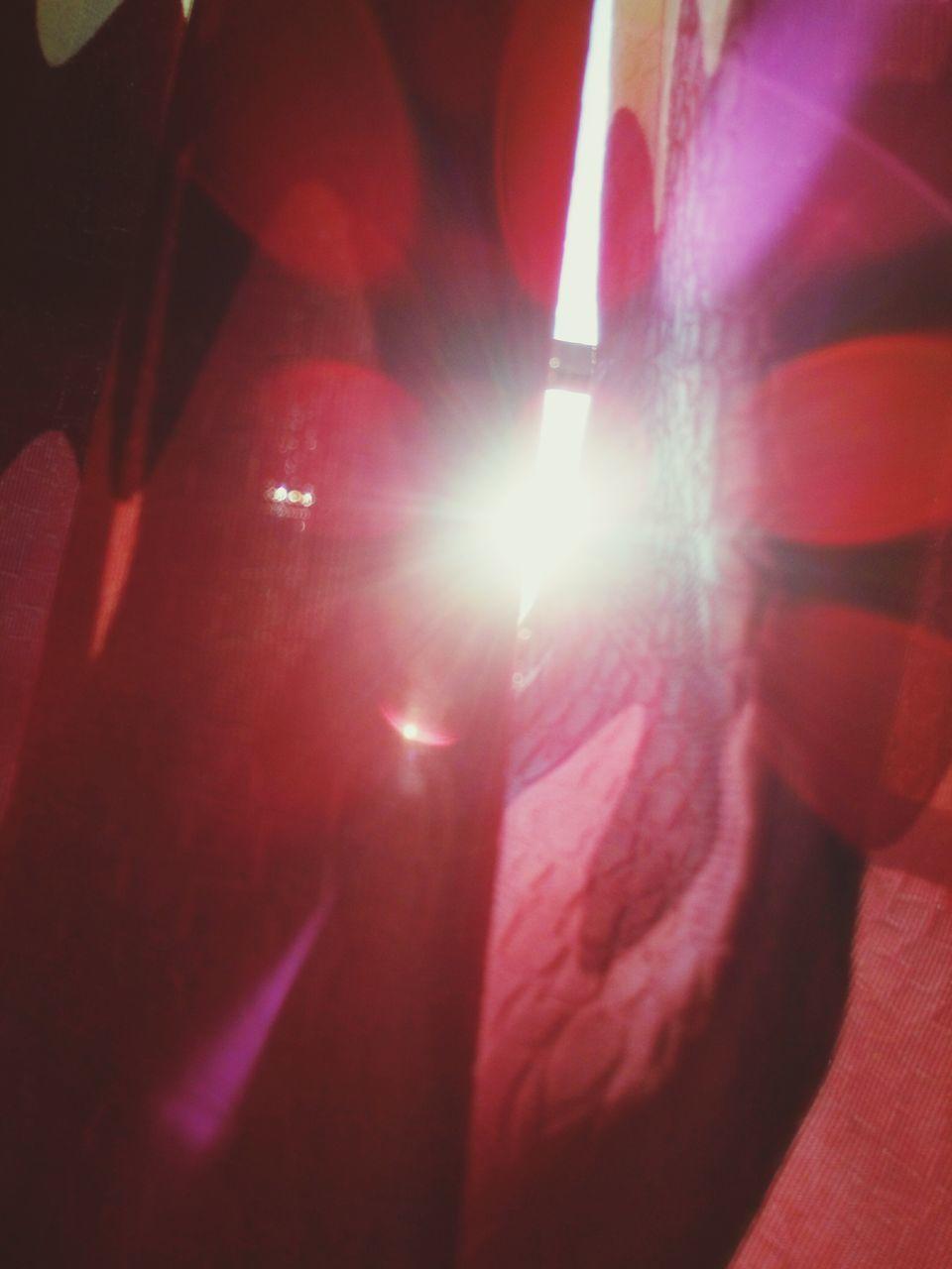 lens flare, illuminated, sunbeam, sunlight, sun, close-up, outdoors, no people, light beam