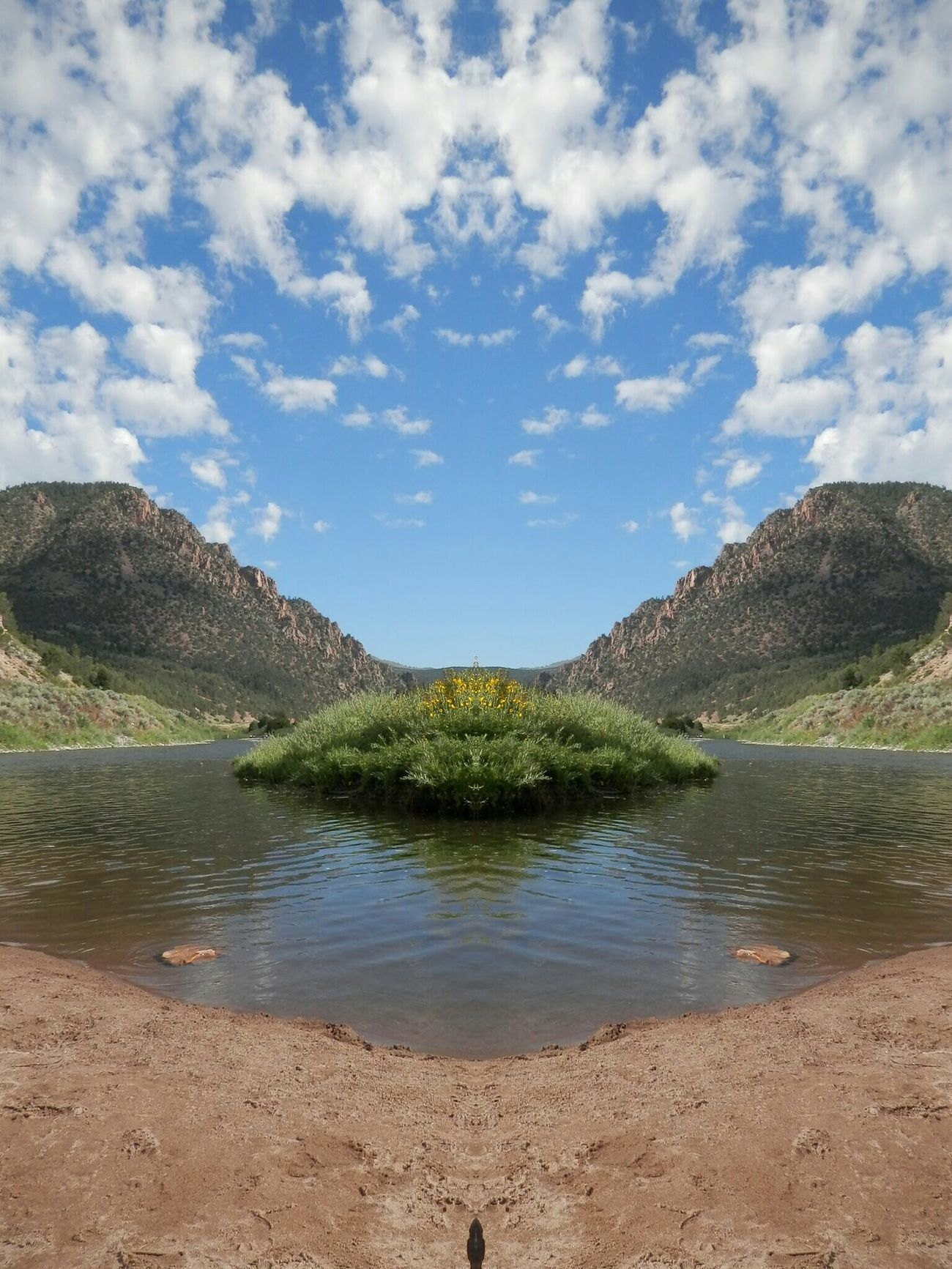 Mirror Effect Mirroring Playing Around!  Cloudporn Soul Searchin What I Value No People Riverscape Mountains Sumer Vacation Upper Colorado Riverlife River Trip Good Life River View Waterlove Colorado Vacation Outside
