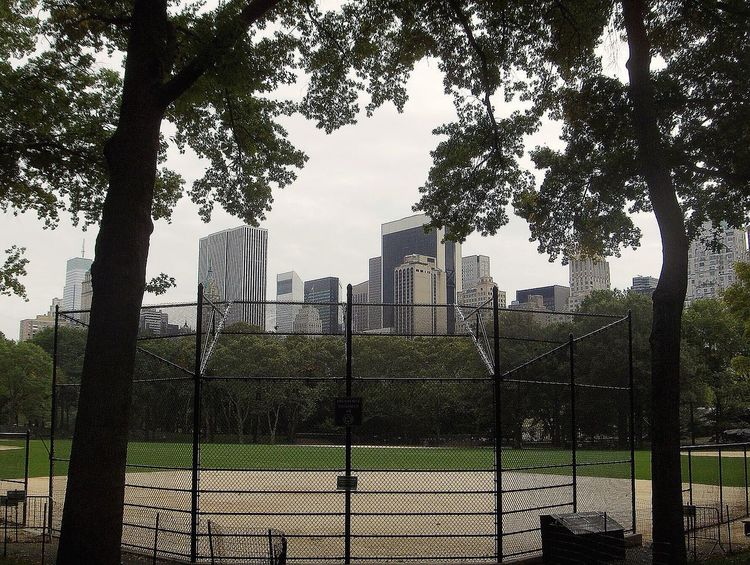 Baseball Field New York New York City Central Park - NYC Field Of Dreams Recreation  Where Dreams Come True Sports Playing Games Healty Life Kids And Adults Serenity Love To Compete Eyeemsports EyeEm Famous Central Park Background City Life Calm And Busy All In Happens Here Skyline Buildings