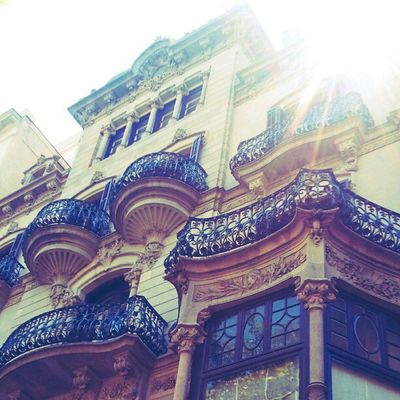 I love it ! typical #building #balcony of #Barcelona Building Barcelona Balcony