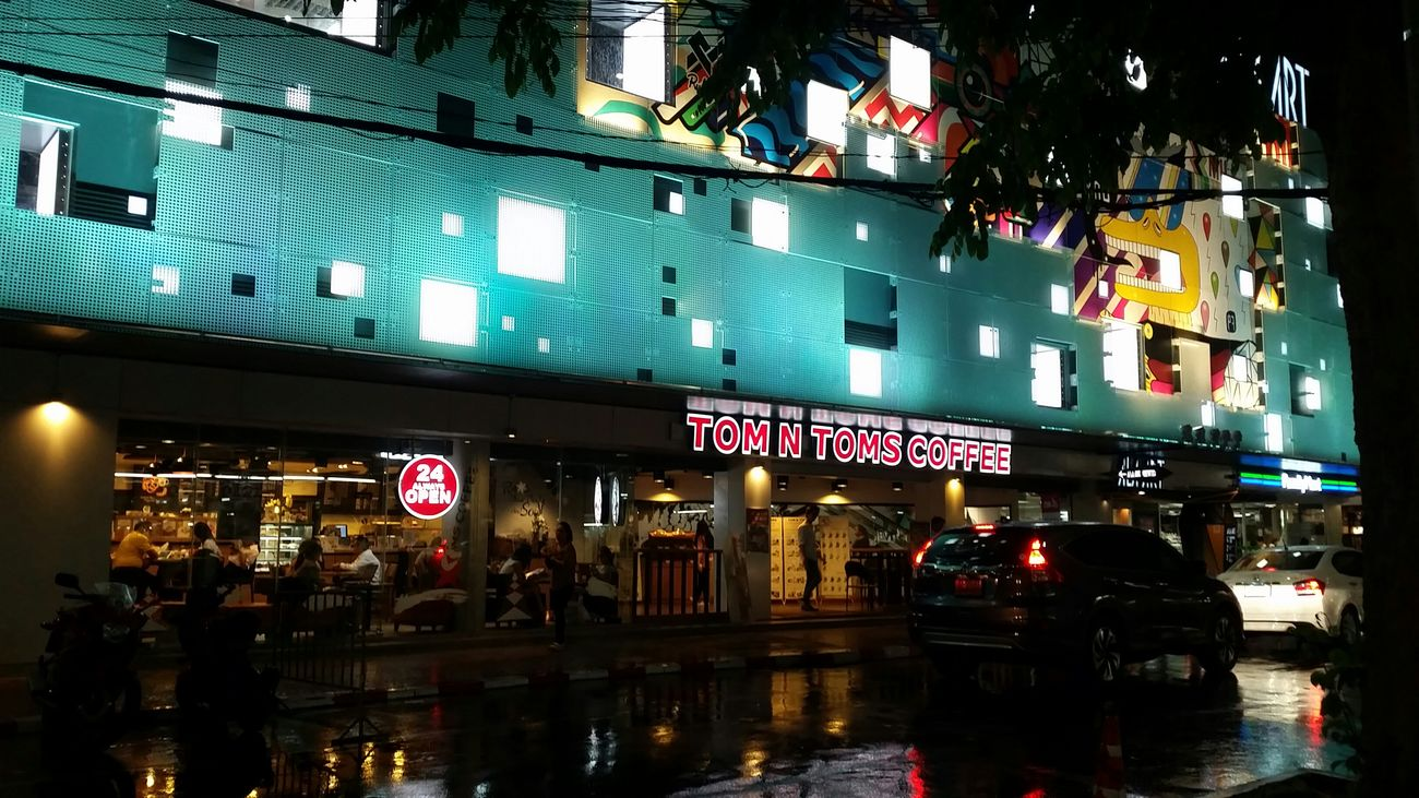 The coffee shop at Siam square in Bangkok(24hr) Noapplication Coffee Shop Rainy Night Lights Siamsquare 24hours