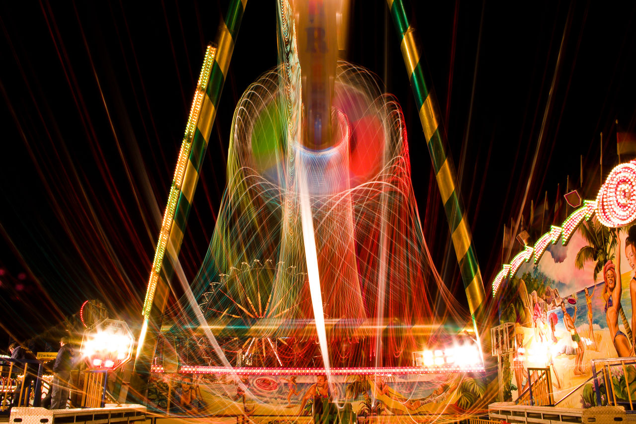Fahrgeschäft Kirmes Light Painting Malen Mit Licht Motion Night Oktoberfest Wiesn
