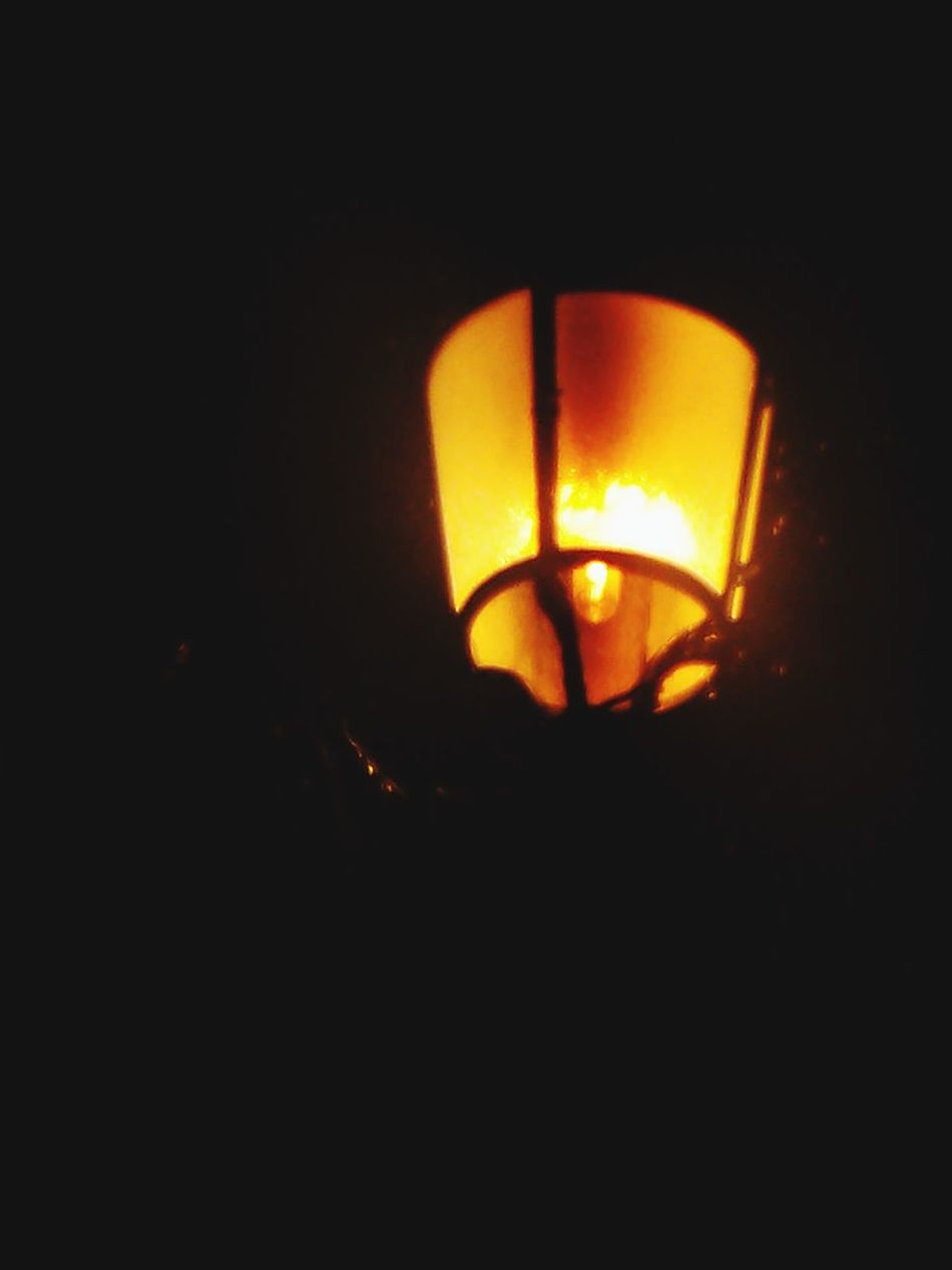Taking Photos City Lights Darkness And Light He Visto La Luz 2💡💡