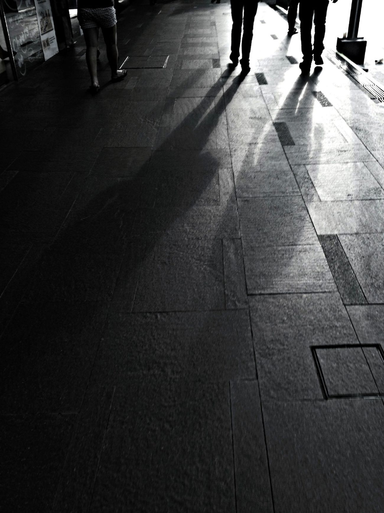 Don't depend too much on anyone in this world because even your own shadow leaves you when you are in darkness. Rush Hour Streetphoto_bw B+W Always Look On The Bright Side Of Life