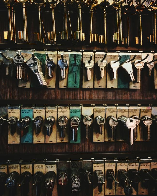 Looking 4 keys Keys Collection Keyword Keyworld Answers Door Security Freedom Escape Hope Outside Inside Open Close Choice Fit Oneofakind First Eyeem Photo