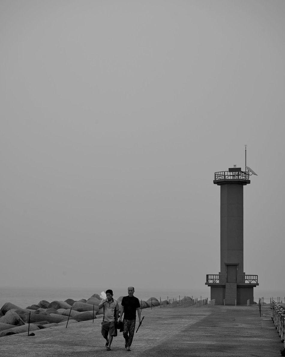 Person Tower Clear Sky Full Length Vacations First Eyeem Photo 제주도 여행 등대 바다 낚시꾼의 대화