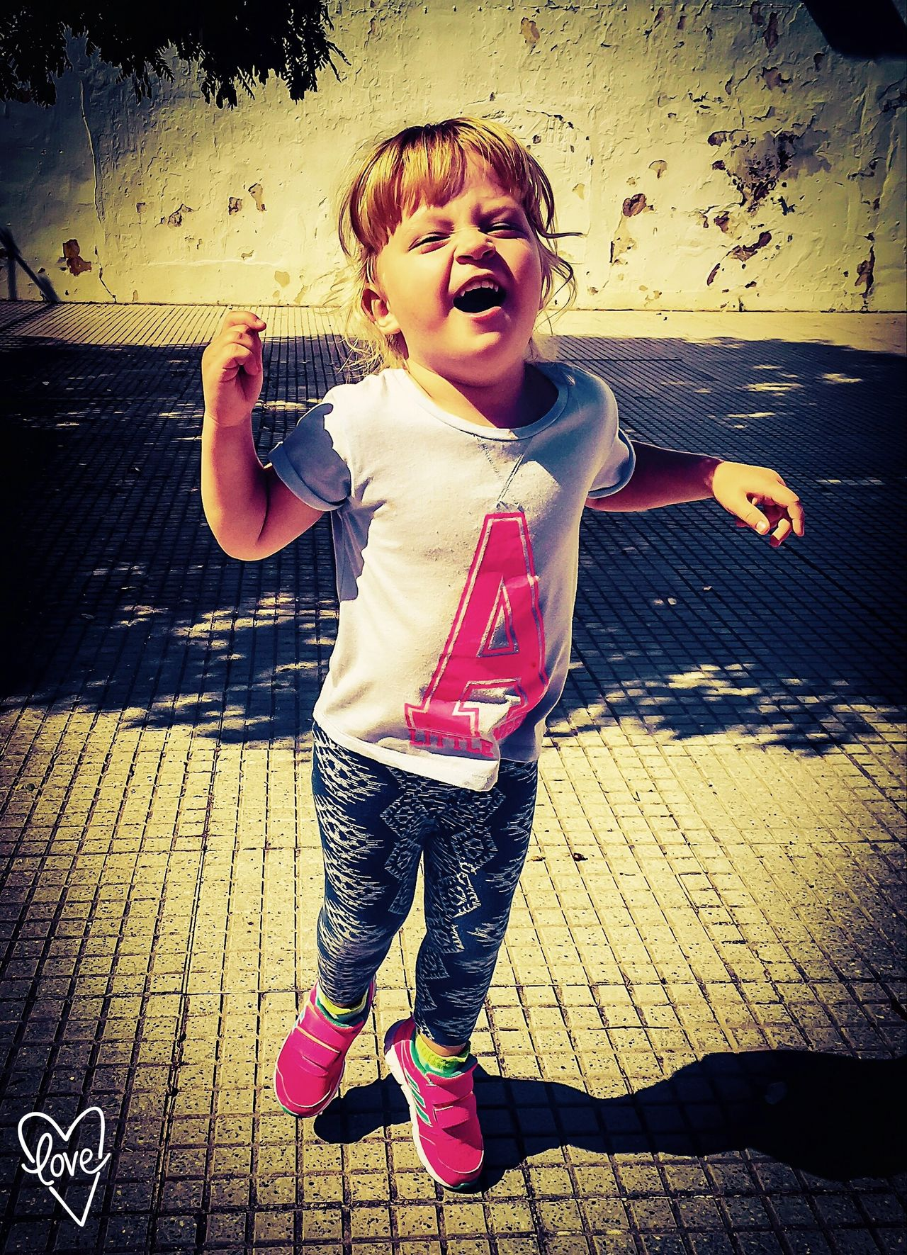 Niñas Nina Calle Callejeando Divercion Alegría Alegria♥♥♥