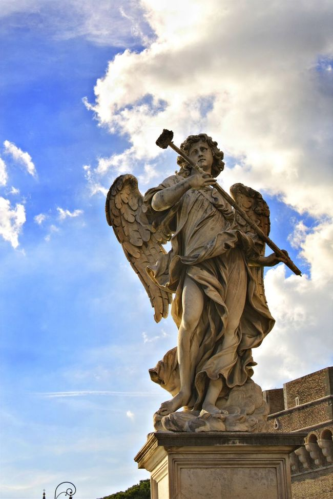 But first let me take a selfie 📸 Sky Cloud - Sky Statue Sculpture Architecture Travel Destinations Rome Italy Angel Angel Statue Castel Sant'Angelo Angel Wings Scupltures Roma Eyeemphotography Monument Rome Italy🇮🇹 Rome, Italy Rome View