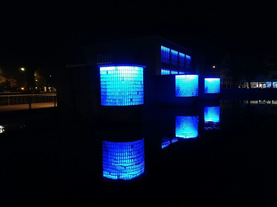 Neonlights Modern Art Neonlight Modernart Modernarchitecture Neon Color Architectural Feature Modern Architecture Modern Times Neon Light Modernartwork Neon Lights Shadow Architecture Blue Color Bluewater Blue Water Water Reflections Blau Blaulicht Spiegelung Reflexions Water Reflection Art Is Everywhere