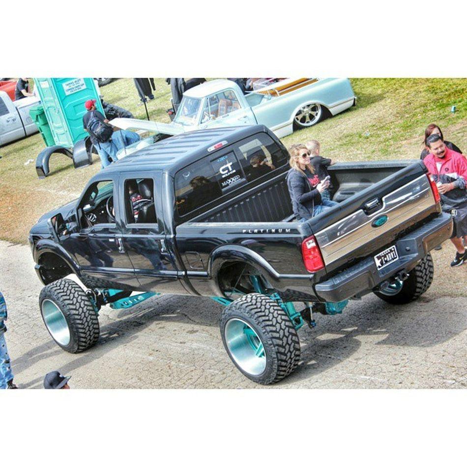 Lst Lonestarthrowdown2015 Truck Lifted Acrophobic Shortpeopleproblems SundayFunday Thumpthumpthumpthumpsplash Weeeeeeeeeeeeeeeeeeeeeeeeeeeeeeeeeeeeeeeeeeeeeeee Donttouchmyfeet Hollisterarmour Highlife