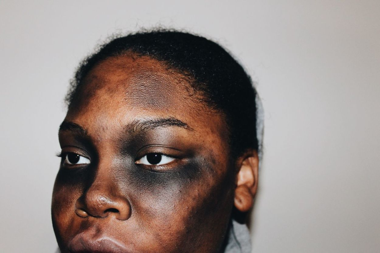 Witty Scary Portrait Face Zombie Dead Model Bruise Makeup October Costume Halloween
