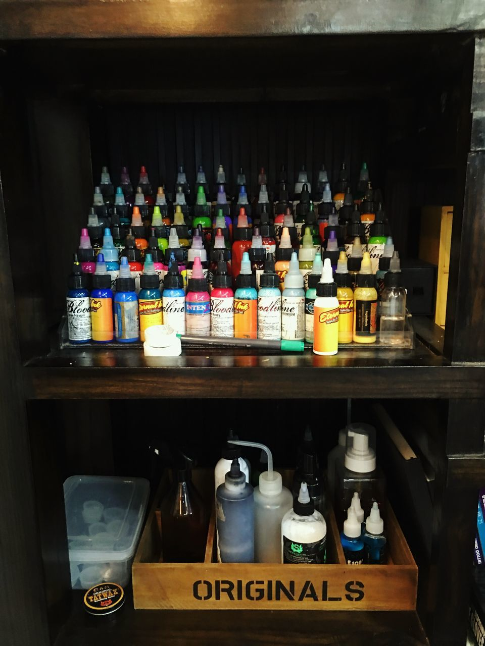 bottle, large group of objects, shelf, variation, choice, drink, indoors, abundance, alcohol, refreshment, shelves, text, no people, container, arrangement, multi colored, liqueur, day, close-up, freshness