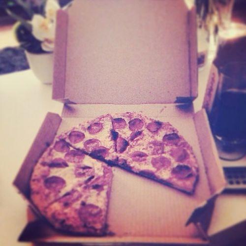 تصويري  بيتزا عشاء 😁