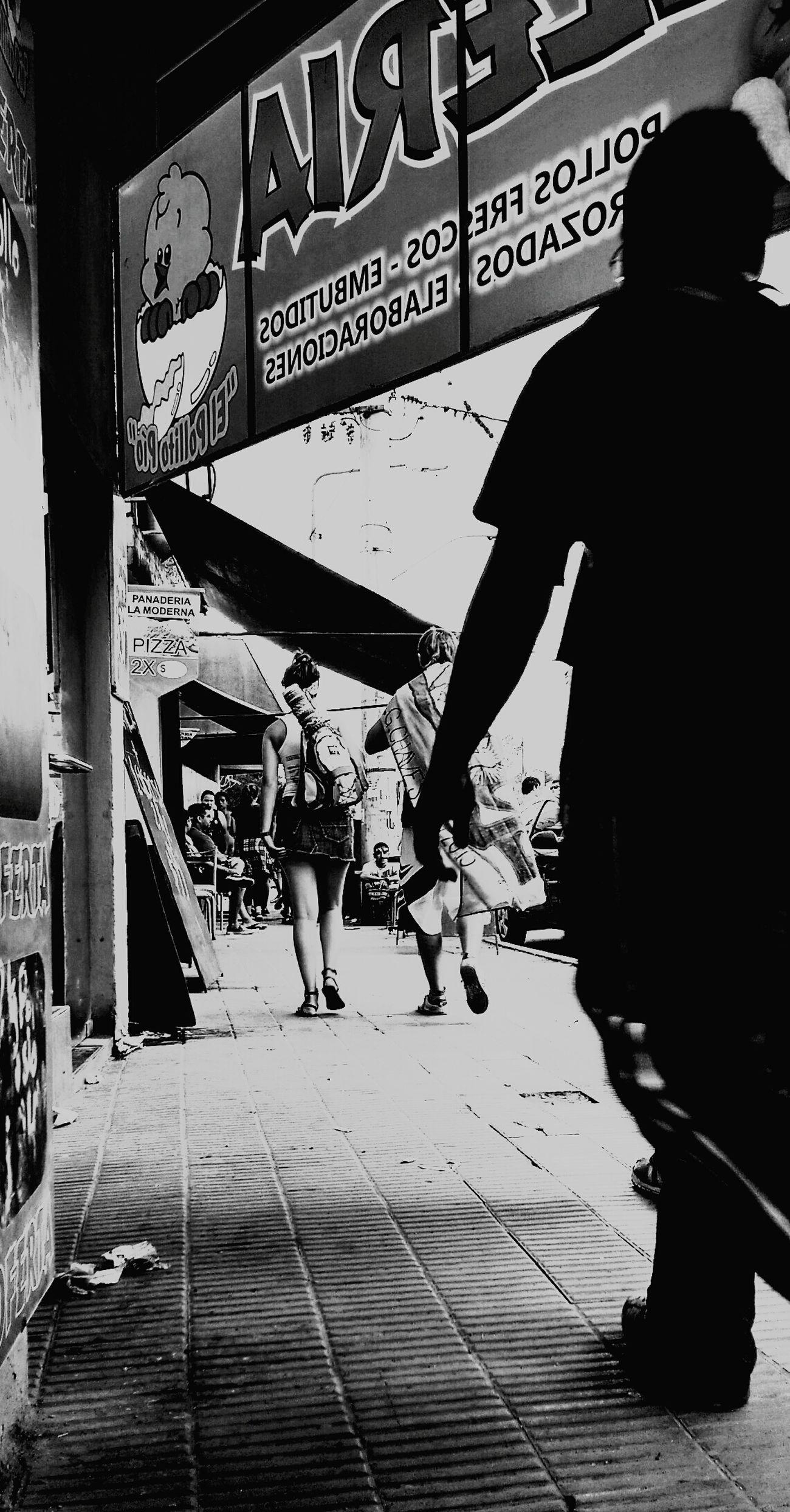 Hello World Taking Photos Córdoba Cosquínrock Love Argentina Photography Argentina Pareja Callejeros Donosvaldo Disparo Silencioso Blackandwhite Blanco & Negro  Blancoynegro Gente Fotografa Fotografie Fotography Fotografia