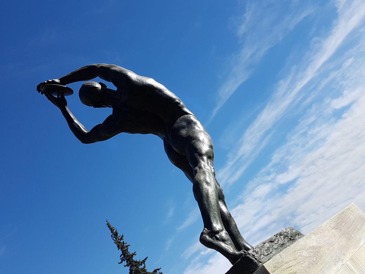 Discus Thrower, Kostas Dimitriadis (1924) 1st price in sculpture/Olympic Games 1924, Paris Art Bronze Culture Discus Thrower Move Olympicgames Sculpture Sky Statue Urban