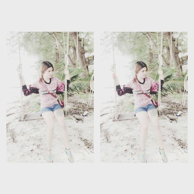 woow when i saw da beach i think of someone i hope i can come back samed with u again ;(