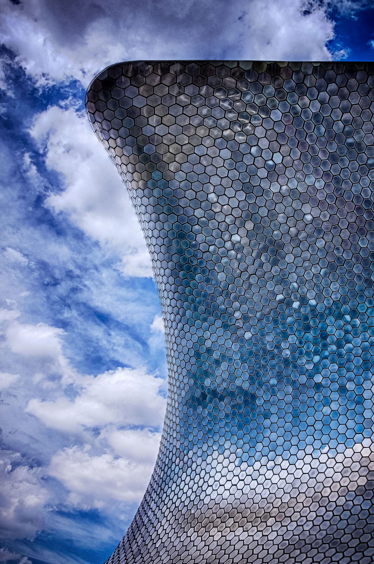 Glass and Metal Wave. Museo Soumaya, Ciudad De México, Mexico. Fujifilm X100t | 23mm | f/4 | iso 200 Wanderlust Architecture Urban Exploration