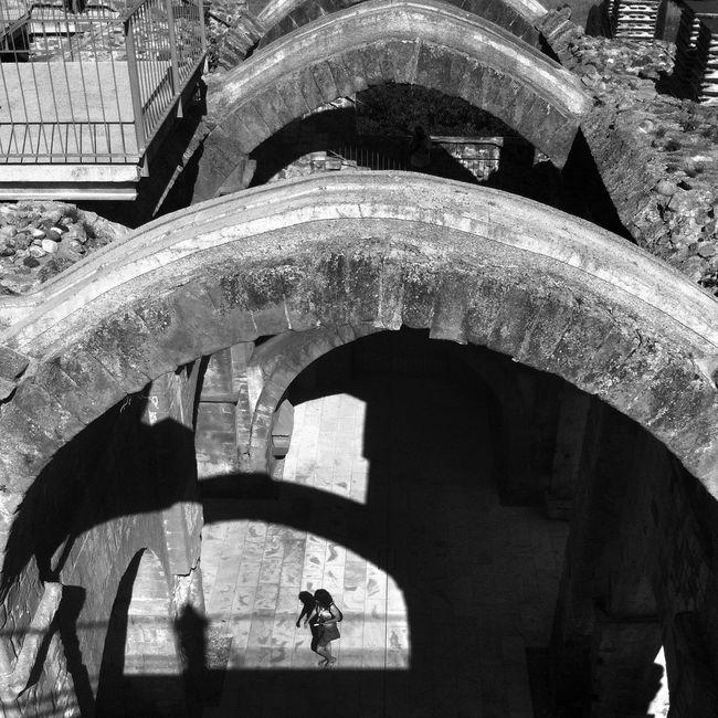 El Segre-Rialb, el Romànic des de l'aigua. La Baronia de Rialb. Blackandwhite EyeEm Best Shots - Black + White Architecture Eye4blackandwhite