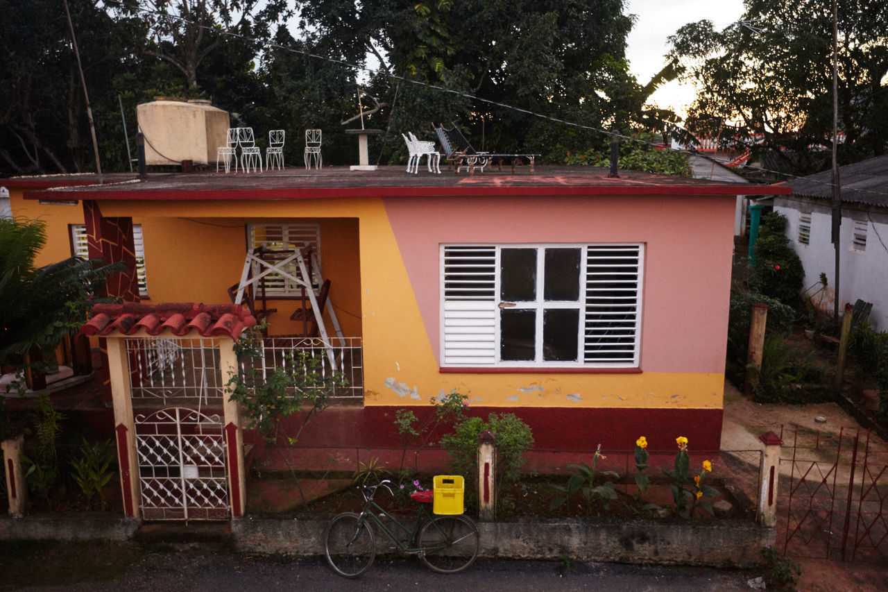 Architecture Building Exterior Built Structure Countryside Cuban Life Day Growth No People Outdoors Rooftop Scenery Tobacco Leaf Tree