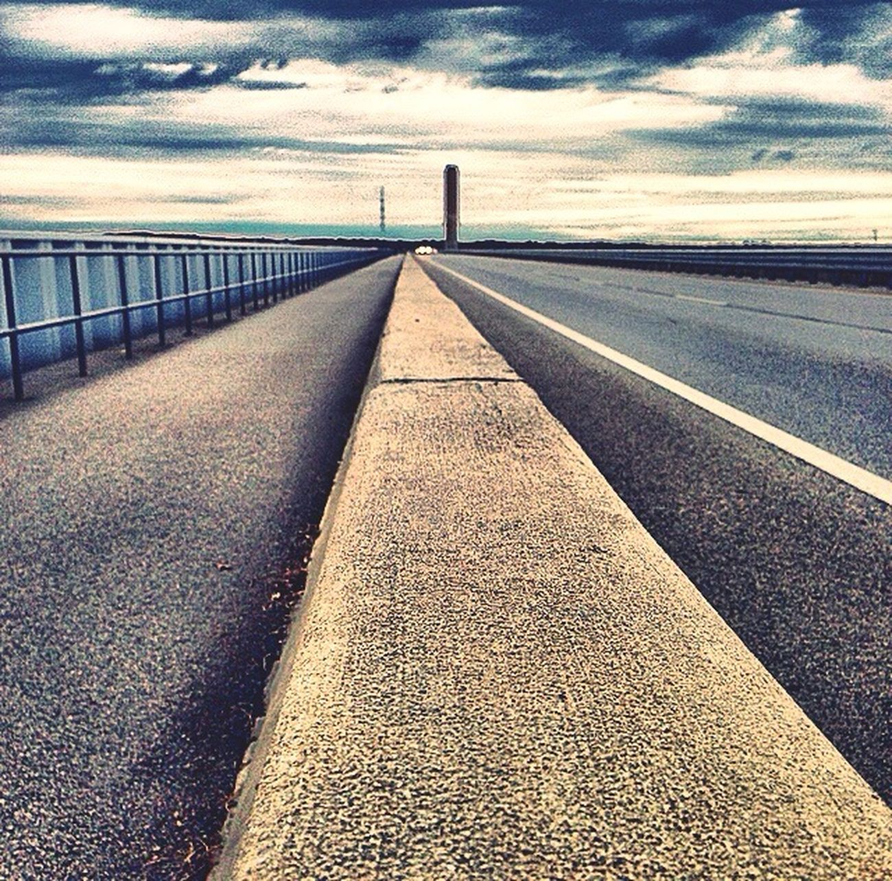 Running Lake Murray dam