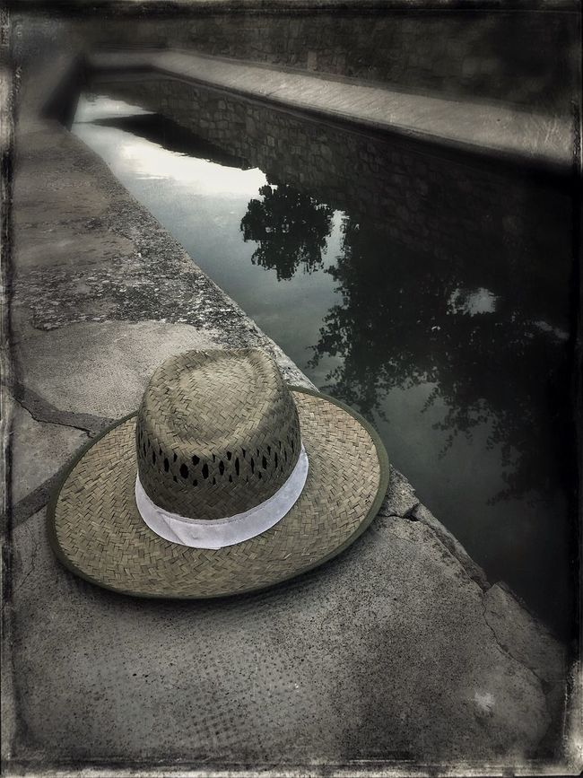 Hat Shadows & Lights Relaxing Pyrinees Water Fountain Reflections In The Water