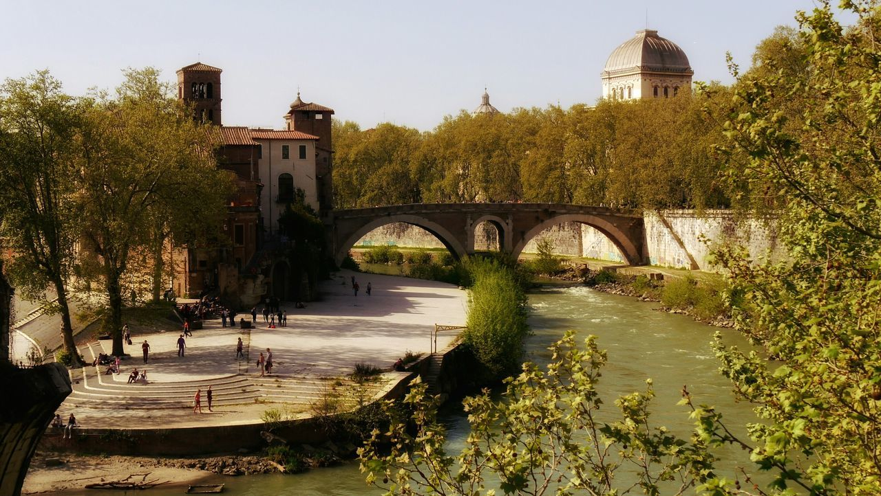 Tiber island at rome - a wonderful area is Trastevere , romantic and small streets , beautiful view along the tiber and delicious and cheep meals at nice restaurants. Feel The Journey Travel Photography EyeEm Gallery Rome Rom Tiber Architecture Buildings Tiberisland Bridge Bridge To Trastevere Trastevere Ponte Cestio Ponte Sisto View From Ponte Sisto Romantic Landscape Old Town Italy Neighborhood Map