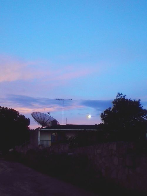 Hello World Lunares
