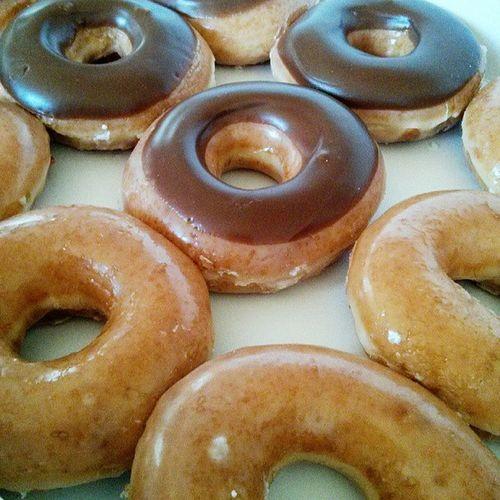 Happy donut day Nationaldonutday KrispyKreme @ch0pstixz @triniidaddy
