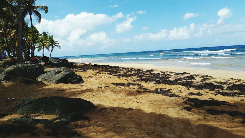 Enjoying The Sun Being A Beach Bum Puravida Enjoying Life Anotherdayinparadise Summertime Relaxing Sunshine Enelmarlavidaesmassabrosa Sea