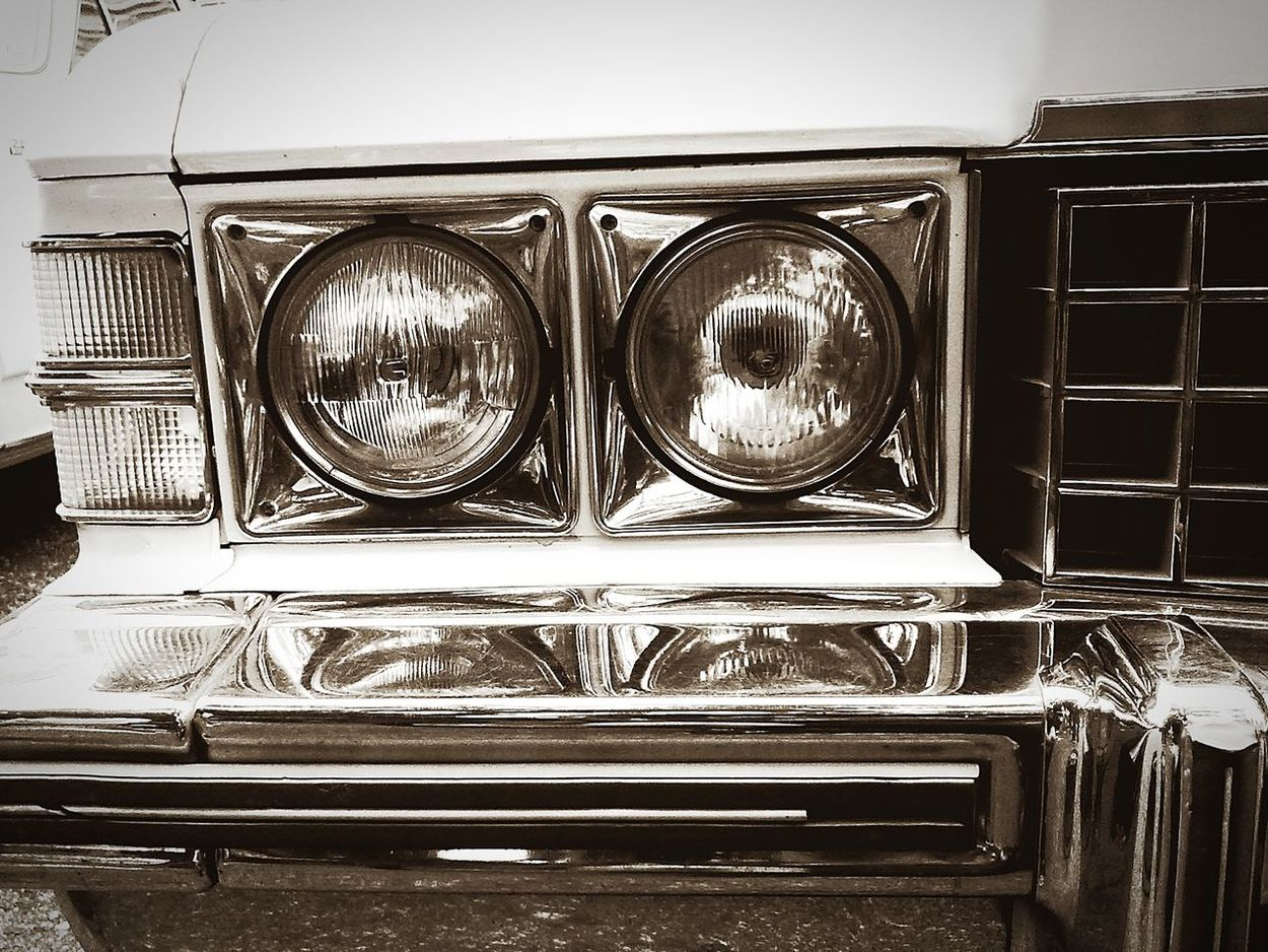 Headlight Black & White Monochrome Photography No People Close-up Colection Cars EyeEm Car Eyeem Car Collection Eyeem Car Lovers EyeEm Best Shots Cars Oldmobilephotography Luxury Transportation Old-fashioned Black And White MotoZPlay The Week On EyeEm