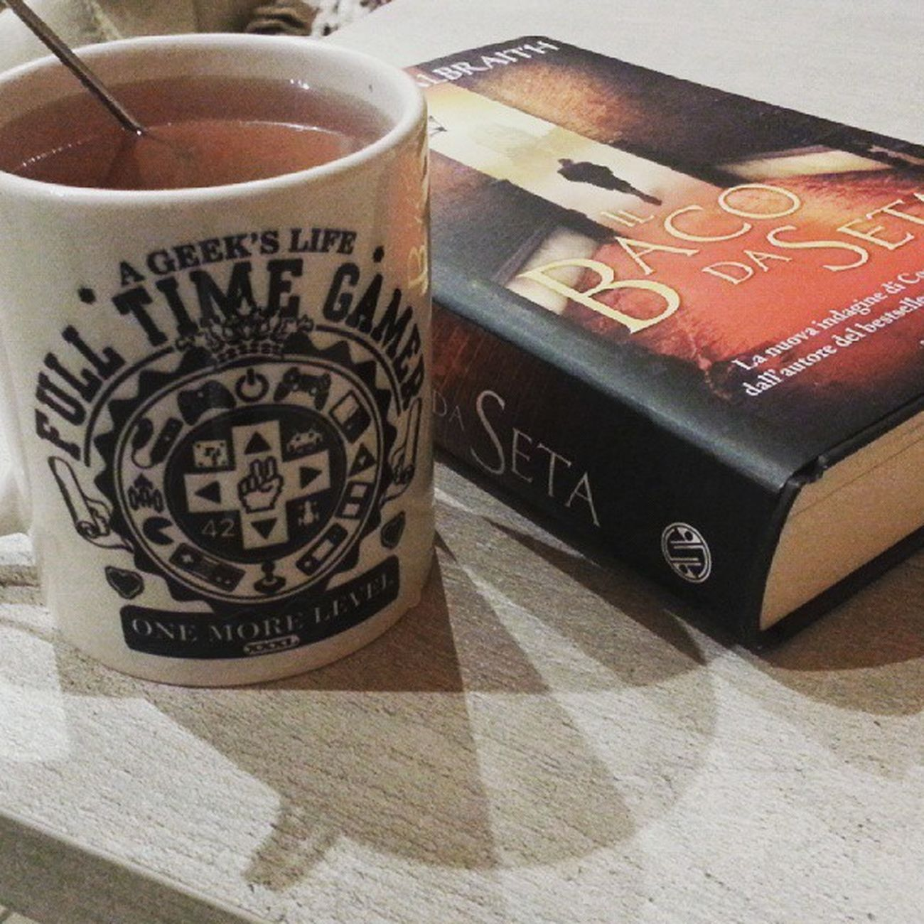 Totally in love!Picoftheday Happy Happiness Mug Gamer Fulltimegamer Tea Cinnamontea Ilbacodaseta Silkworm RobertGalbraith Book Booksonbooksonbooks Bookworm Cormoranstrike Readingchallenge Reading PerfectNight