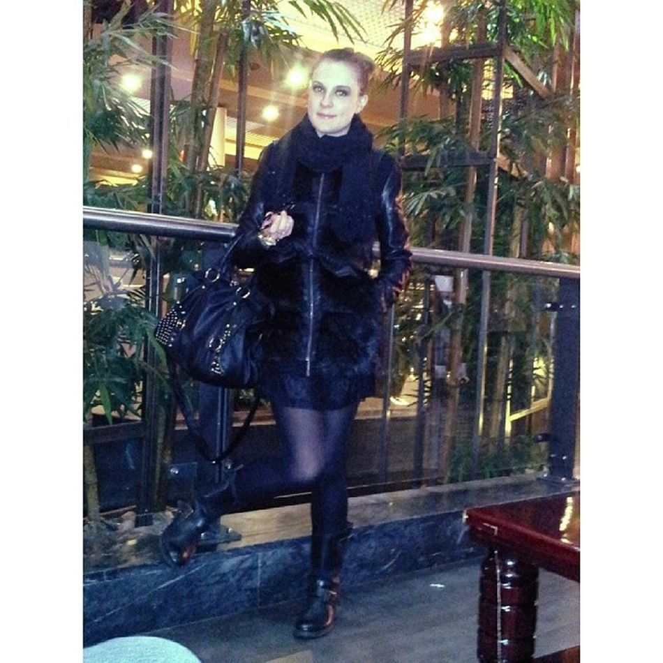 On @lookbook Winterpost Fashionpost Totalblack Fashion style look fur