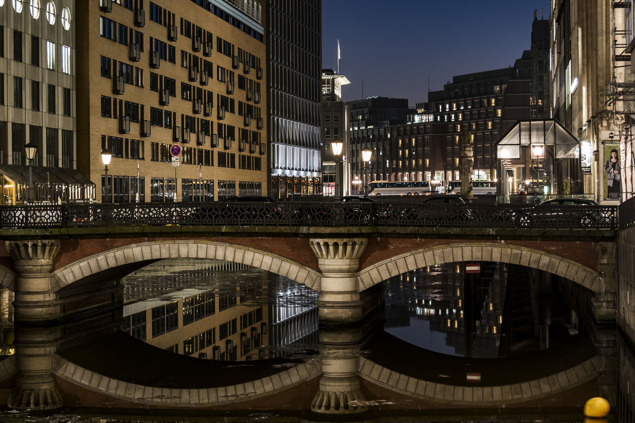 Bleichenbrücke Architecture Bridge Bridge - Man Made Structure Building Exterior Built Structure City Fleet Hamburg City Illuminated Night No People Old Buildings Outdoors Uptown Water Water Reflection
