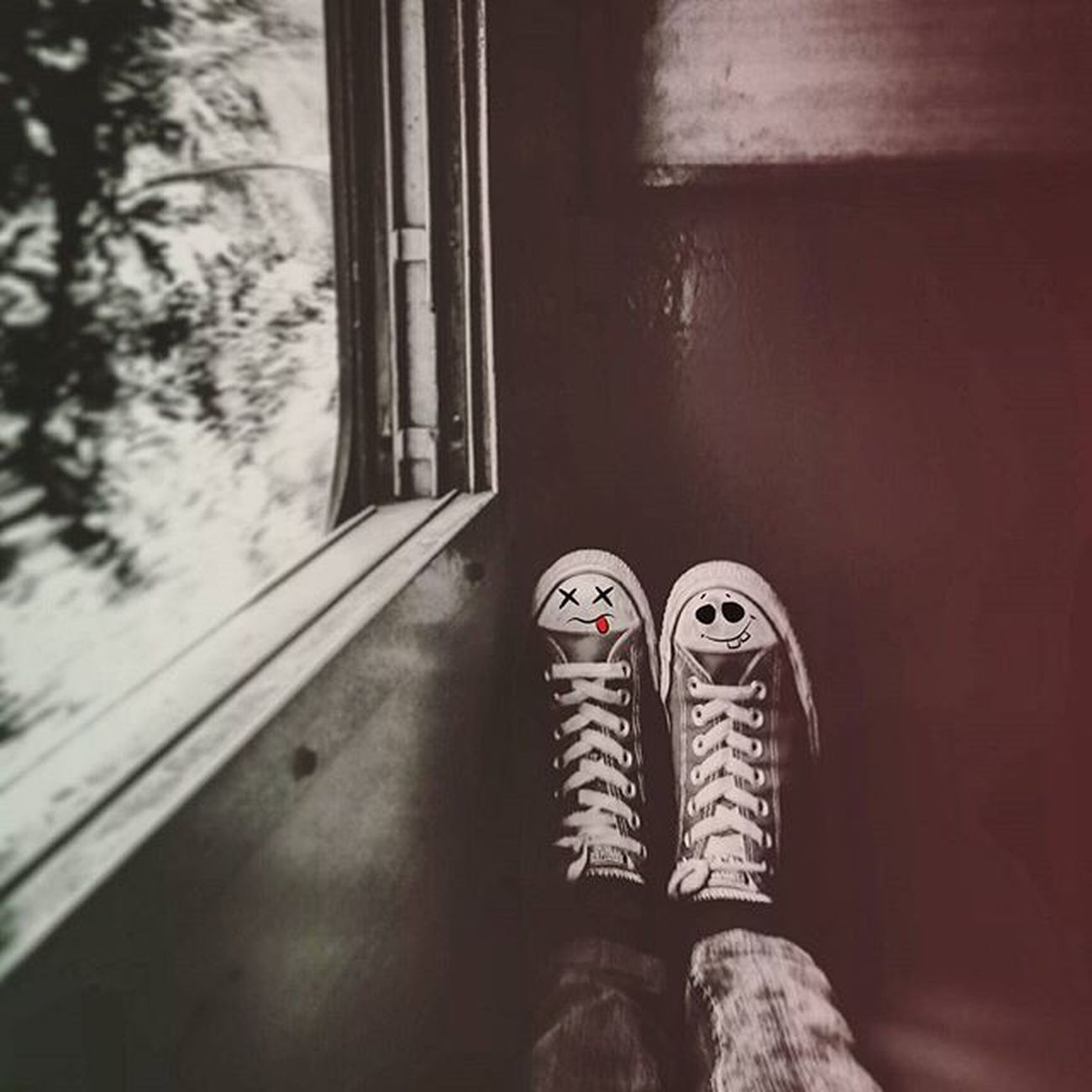BFFFFFF........Me Converse Allstars Train Trip Travelogue Photography Photowalk Look Love Friendsforever Favourite Youdieismile Insta Instafreak Instamood Bestoftheday Instalike Follow Followforfollow Followmefollowyou L4l F2f F4F