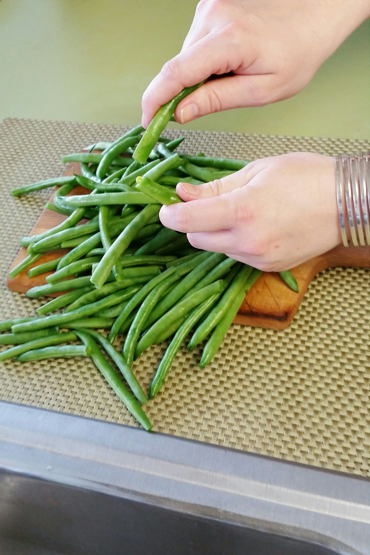 snapping fresh green beans Food Photography Fixing Dinner Fresh Vegetables Vegetables Food Prep Food Preparation Hands Hands At Work Human Hand Human Body Part Female Fresh Produce Green Beans Visual Feast