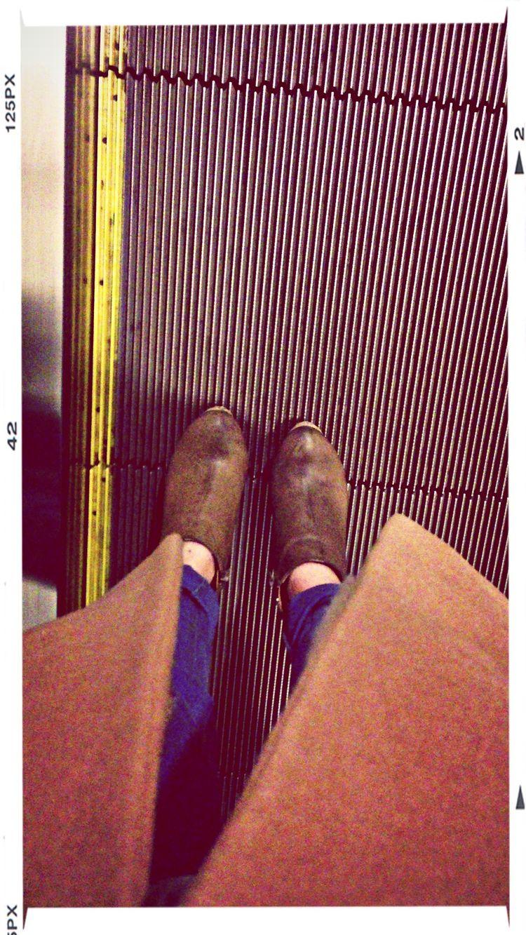 仕事終わりの足元。今朝と違うの巻き。明日は休みだHAPPY♡ Fashion Taking Photos 退勤なう Train Station