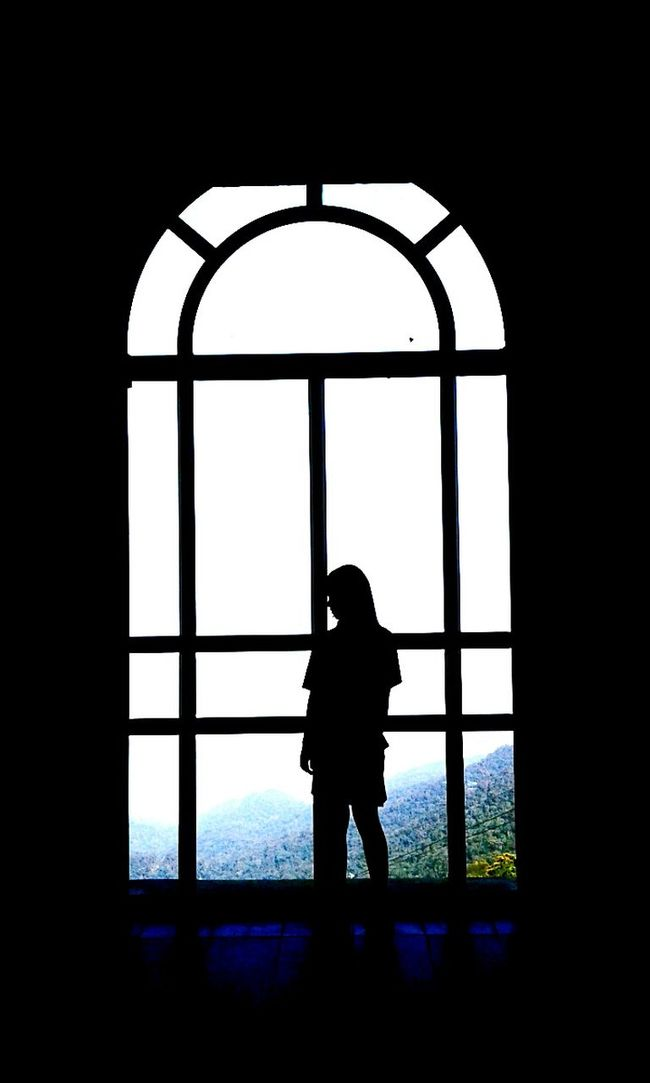 Myphoto Banahills Lonely Girl BaDenmountain Vietnam Danangcity Facebook Nd Long Giang Mylife MyPicture Vietnam Trip Mymemories Blue Sky That's Me Summer Memories 🌄 Mytravels Enjoying Life Followme Lonely Place  Sad Eyes Window View Window Black And White Green Trees Girl