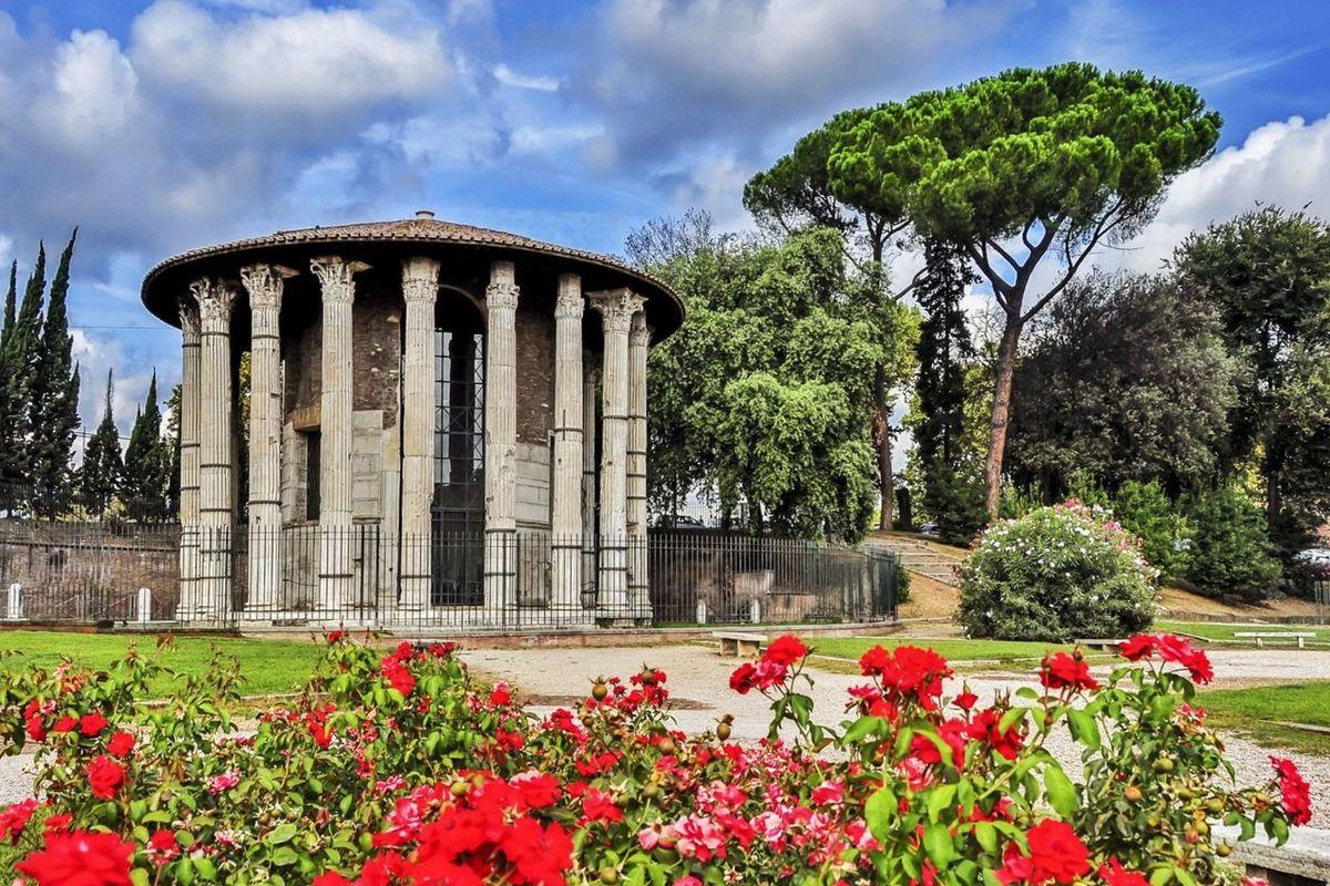 Piazza Bocca della Verita. Rome / Italy Rome Italy City Street Photography