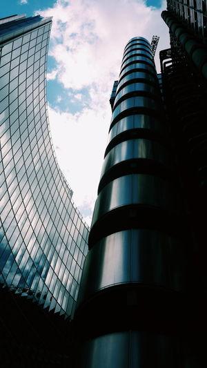 London City Skyscraper Architecture Lloyds Of London Lloydsoflondon Hightech Building Exterior Architecturelovers