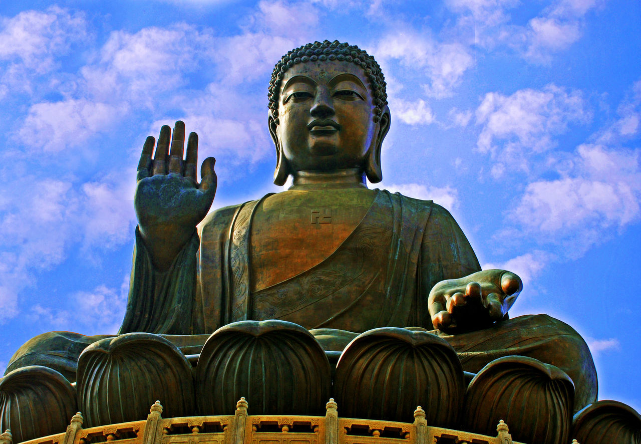 Tian tan buddha, lantau island, hong kong ASIA Asian Culture Hong Kong Lantau Island Low Angle View Sky Statue Tian Tan Buddha (Giant Buddha) 天壇大佛