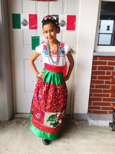 Noche Mexicana ! Viva México! Independence day Person Portrait Lifestyles Mexican Culture China Poblana Independence Day Mexico City Traje Típico Colour Of Life Color Color Portrait Hello World Puebla People And Places