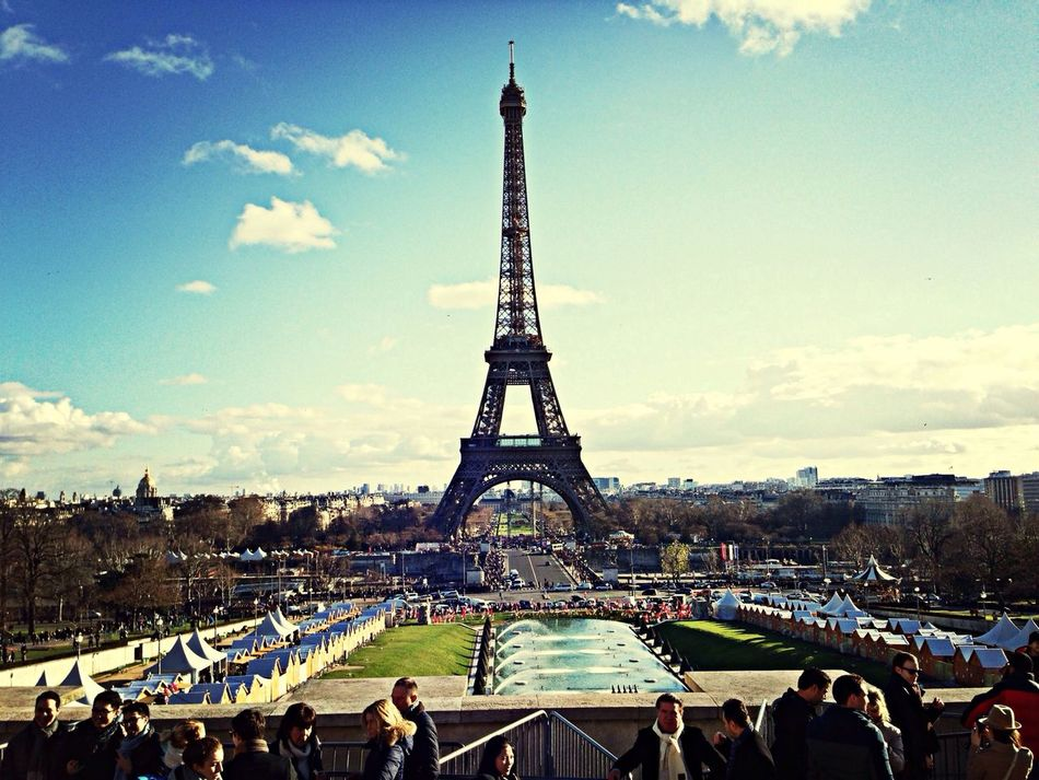 There it stood, just like in the movies. Paris Tour Eiffel MomoTravels