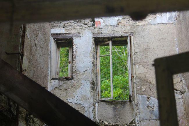 Urbex Architecture Window Old Damaged Abandoned Outdoors No People Urbexphotography Urbexexplorer Urbexexploring Sanatorium Bretagne Bretagnetourisme Hôpital Window View Window Frame