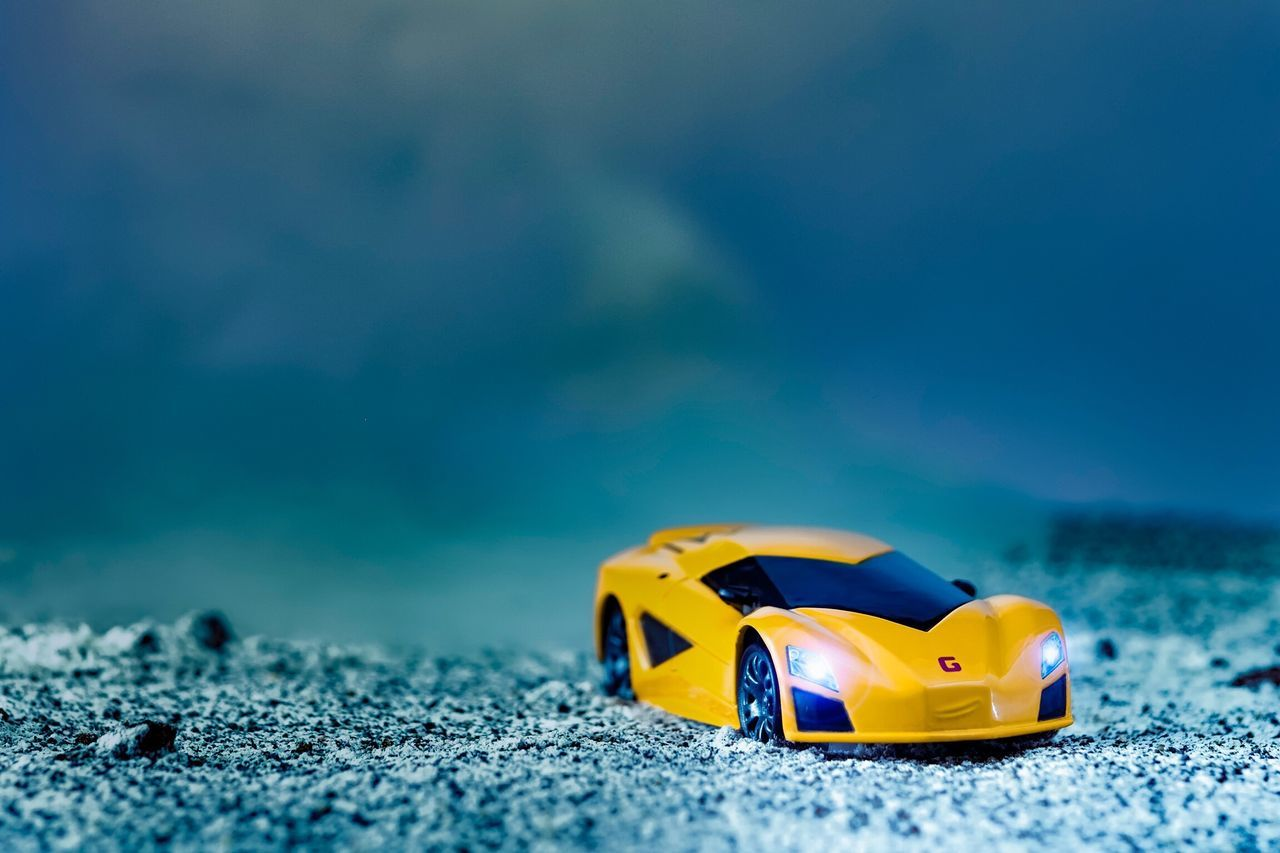 """Wrong Turn"" Sport car is not supposed to go in this kind of road... Now u got to deal with the risk 😅😆 Fujifilm Close-up Toys Cars The Movie Fabrizio EyeEm Gallery From My Point Of View Diecastlovers Diecastcars Toyphotography Diecastphotography Diecastography Yellow Diecasttoys Diecast No People Cars FUJIFILM X-T1 Sand"