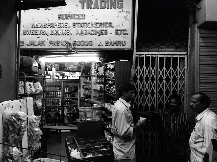 Storefront Newspaper Malaysia Night Blackandwhite Iphone6 Life