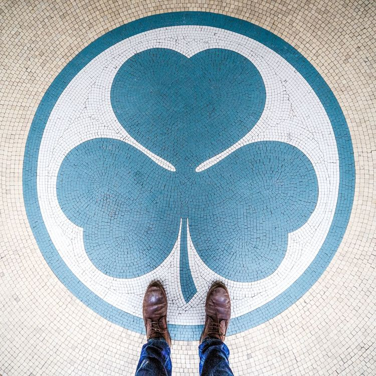 Trefle Saint Patrick's Day St Patrick's Day Irish From Where I Stand Mosaique Pieds Paris 75001 Flatlay Laowa12mm
