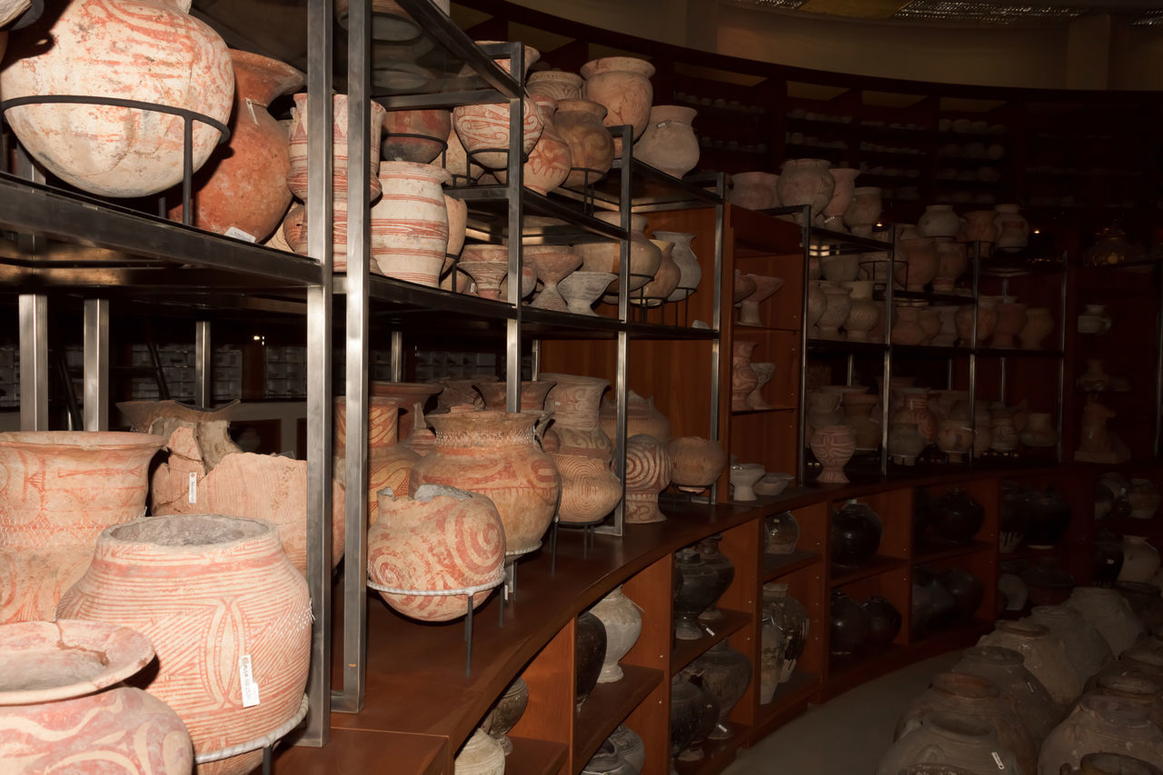 Ancient Ancient History Ancient Ruins Clay Clay Clay Art Clay Pot Clay Pots Clay Sculpture Clay Work Clayart Claypot Day Indoors  Jar Jar Of Clay Jars  Jug Jug Of Clay No People Object Objects Retail  Shelf Store