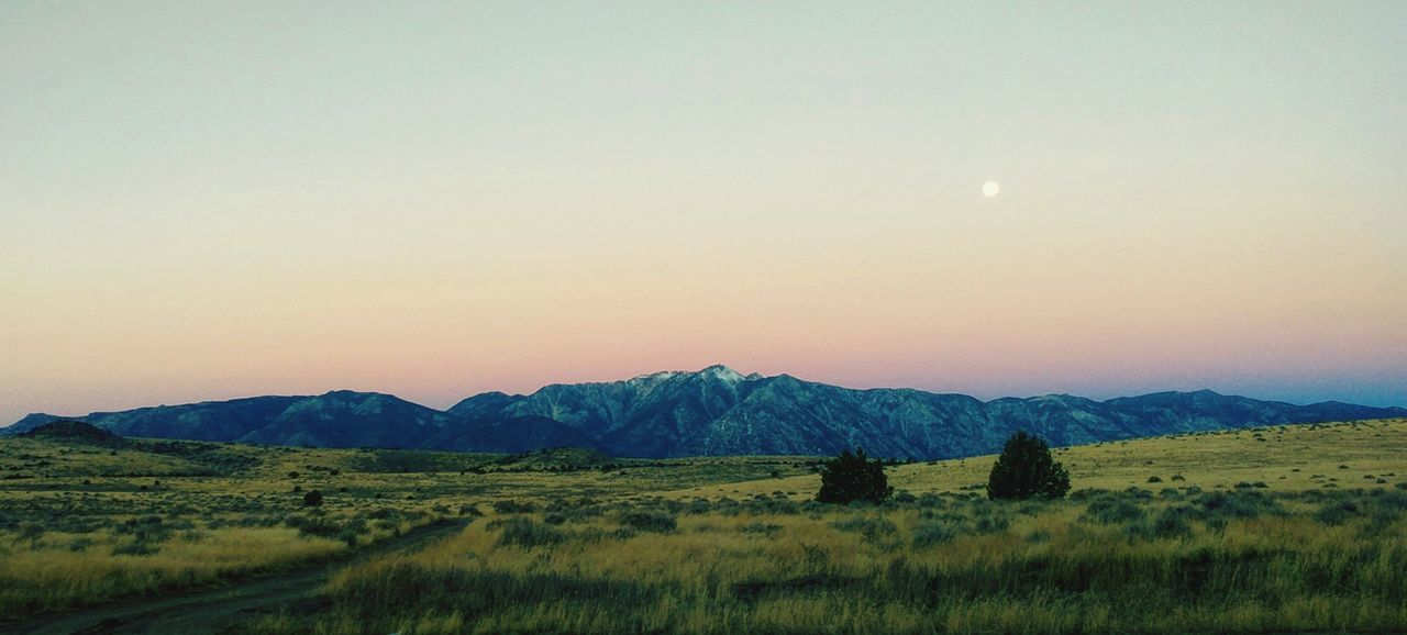 Sunset Landscape Beauty In Nature No People Outdoors Nature Mountain Sky Day Grassy Field Green Travel Nevada Skys Sierranevadamountains Mountain Range Beauty In Nature Traveling Photography Super Moon Supermoon2016 Peaceful Landscape