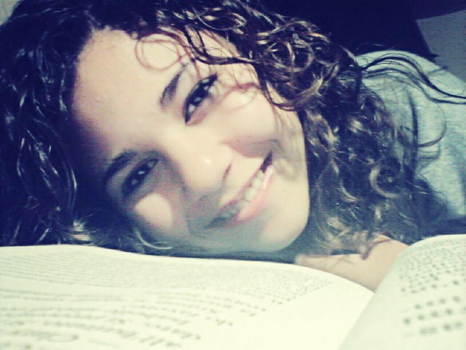 sorridi alla vita ma la testa lasciala viaggiare sulle ali dei sogni ♡